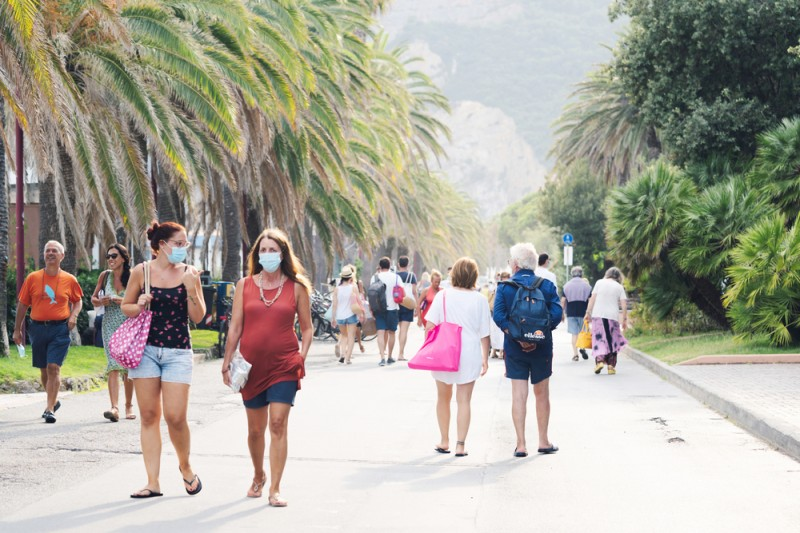<span style='color:#780948'>ARCHIVED</span> - From Wednesday new stricter law governing facemasks in Spain comes into force