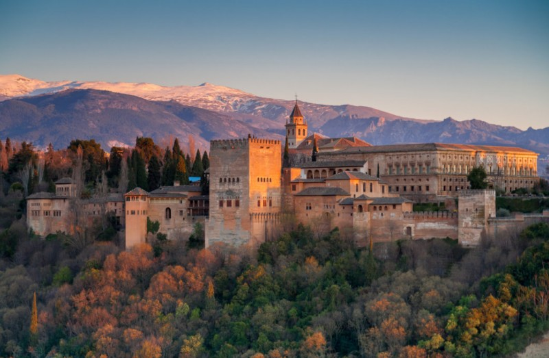 <span style='color:#780948'>ARCHIVED</span> - Only 51,000 foreign visitors to Andalucía this March, down from 843,000 in March 2019!