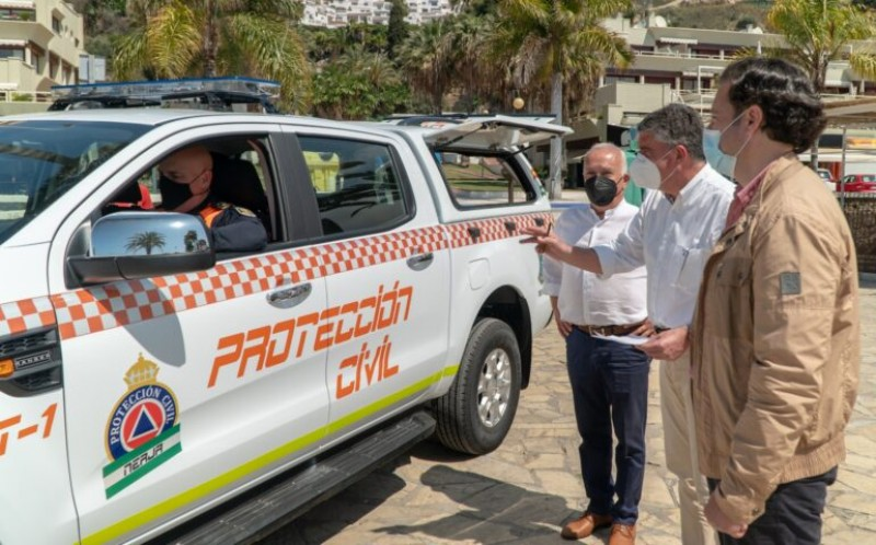 <span style='color:#780948'>ARCHIVED</span> - Nerja recruits further Civil Protection officers and unveils new vehicle