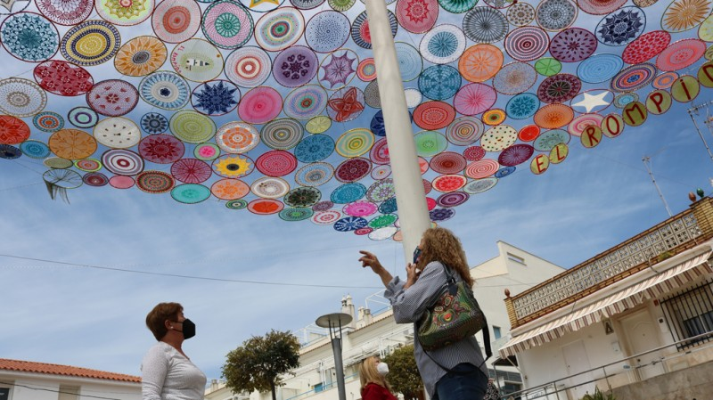 <span style='color:#780948'>ARCHIVED</span> - Colourful crochet canopy is testament to lockdown positivity: Cartaya in Huelva