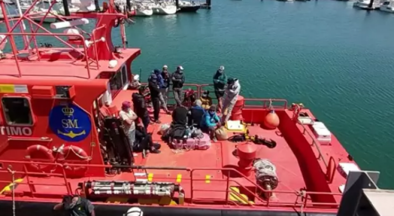 <span style='color:#780948'>ARCHIVED</span> - Two boatloads of irregular migrants intercepted off coasts of Cadiz and Granada