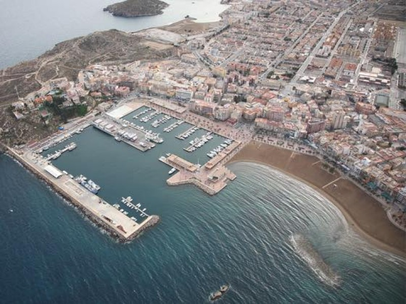 <span style='color:#780948'>ARCHIVED</span> - Divers in Mazarron will be cleaning debris from the seabed on September 25