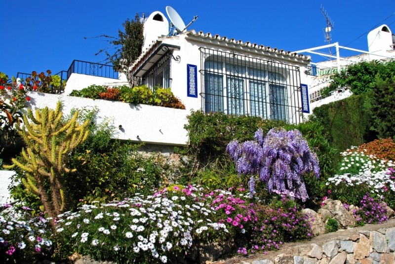 <span style='color:#780948'>ARCHIVED</span> - British home purchases in Spain register an all time low
