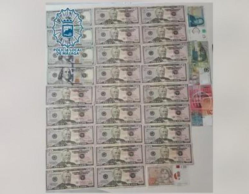 <span style='color:#780948'>ARCHIVED</span> - Honest Andalusia woman hands in cash found on the street