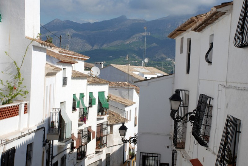 <span style='color:#780948'>ARCHIVED</span> - Andalusia refuses to abide by new Housing Law