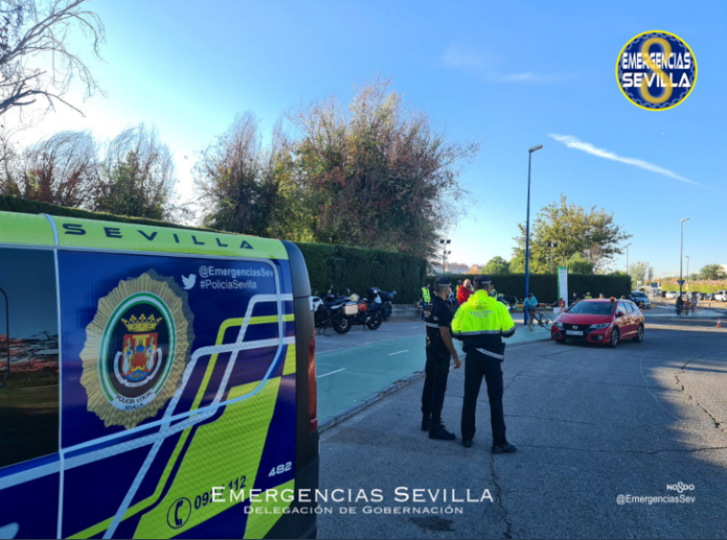 Seville police evict 700 people following bar raids