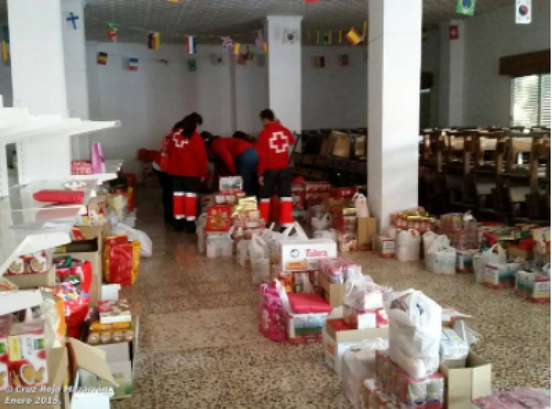 Red Cross distributes food to thousands of vulnerable families in Almeria